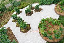 Orto Garden / Bordure in acciaio corten disegnano il terreno per creare isole coltivate. Piastrelle in corten, pavimenti corten da calpestare. Vedure e ortaggi al posto dei fiori! Coltiva il tuo tempo.