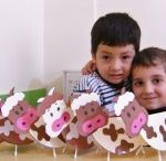 Cow craft idea for kids / This page has a lot of free cow craft for kids