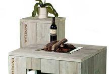 WITTEKIND Feuertisch (klein) / Sie mögen die Stimmung von Lagerfeuerromantik? Dann ist der WITTEKIND Feuertisch (klein) – ein Lounge Tisch mit echtem, offenem Feuer – genau das richtige Möbelstück für Sie! Der integrierte Gasbrenner ermöglicht offenes Feuer direkt auf der Tischplatte.