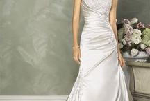 Say YES to the Dress / by Lyndsey Cole