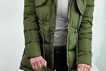 Kurtka damska zimowa parka naszywki jenot militarna asymetryczna khaki model #111 fashionavenue.pl / Kurtka damska zimowa parka naszywki jenot militarna asymetryczna khaki model #111 fashionavenue.pl