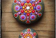 piedras pintadas puntillismo