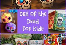 Day of the Dead Crafts for Kids / Day of the Dead Crafts for Kids, Preschool and Adults. We love DIY Sugar Skull Craft Ideas - including using some great Day of the Dead Printables!