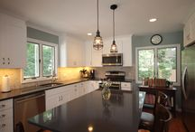 Easy as Pie in South Jamespport / This country kitchen had been remodeled once before. the direct removal and replacement took less than two weeks.