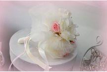 Τα Μαγικά νυφικά αξεσουάρ μας / Πανέμορφες χειροποίητες δημιουργίες από εξαιρετικά υλικά. Χειροποίητα νυφικά αξεσουάρ για να κοσμούν κάθε πριγκίπισσα νυφούλα.
