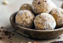 Maple vanilla protein gluten free no-bake balls