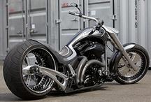 Motorcycles / Motocicletas y ciclomotores