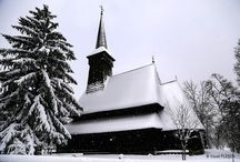 """ARHITECTURA / Biserica Maramureseana din Muzeul National al satului """" Dimitrie Gusti"""", din Bucuresti, Romania."""