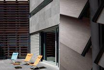 Rivestimenti Facciate e Frangisole / Kronos Tecnica è in grado di rispondere alle richieste più complicate ricevute da parte del mercato, fornendo diversi sistemi che valorizzino al meglio l'estetica degli edifici.
