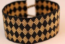 Peyote Bracelet- Black and Gold
