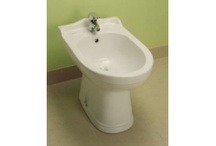 Traditional style bathroom products