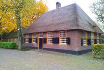 Monumentale boerderijen / Nederlandse boerderijen met de status van monument.   Geschikt om te huren voor bijvoorbeeld bruiloft, filmopname of woning.