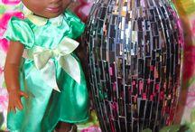 """Tiana Animator Disney Doll www.paradisulcopilului.ro / Printesa Tiana din desenul desenul Disney """"Printesa si Broscoiul"""" este diferita de toate celelalte printese. Este o afro-americana simpatica, vesela, cu talent extrem la gatit. Visul ei este sa-si deschida propriul restaurant."""