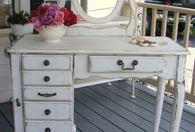 Dressing table / Dressing tables
