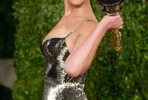 ".. Jennifer Lawrence أكثر النّساء إغراء في العالم / تصدّرت الممثلة العالمية Jennifer Lawrence قائمة أكثر النّساء إغراء في العالم لعام 2014 بحسب الإحصاء السنوي الذي تعدّه مجلّة FHM البريطانية.  Lawrence البالغة من العمر 23 عاماً لعبت أدوار البطولة في العديد من الأفلام السينمائية، أهمها: ""Hunger Games"" و""American Hustle""، كما حصلت على العديد من الجوائز العالمية، مثل: الـOscar والـGloden Globes و الـ Academy Award. / by SAYIDATY"