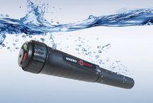 Makro Pinpointer / ΑΔΙΑΒΡΟΧΟ  Το pinpointer της MAKRO μπορεί να χρησιμοποιηθεί τόσο έξω στη ξηρά όσο και μέσα σε νερό. Σχεδιασμένο με τις προδιαγραφές του προτύπου IP67.  Βρείτε περισσότερα: www.metal-detectors.gr sales@polatidis-group.gr Τηλ: 23810 23237 Κιν: 694 1550822