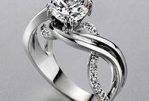 Jewelry / by Kimberly Martinez