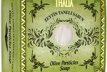 ZEYTİNYAĞI SERİSİ / Thalia markası doğal güzelliği öne çıkaran kozmetik ürünlerini inceleyebilir, www.thalia.com.tr üzerinden sipariş verebilirsiniz.  Bize Ulaşın : +90 (212) 438 0 663