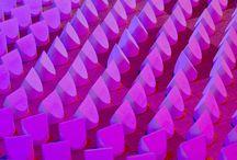 Mine coulour, our past and future | Biennale Internationale Design Saint-Étienne 2015 / Il n'y a pas de lumière sans ombre. Dennis Parren est un designer qui travaille aussi bien l'une que l'autre. Il utilise les couleurs pour faire apparaître la lumière, montrant ainsi que la couleur contient véritablement la lumière en son sein.