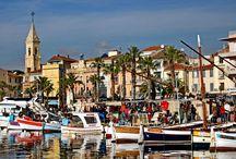 SANARY SUR MER / Sanary-sur-Mer est une commune française et une station balnéaire située dans le département du Var (à 13 km de Toulon et 49 km de Marseille), en région Provence-Alpes-Côte d'Azur.