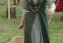 Viikinkinaisen asu