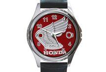 Watches Logo / https://www.etsy.com/shop/hwandikaiko