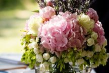 Flower Arrangements and Table Decor / by Jane Swartz