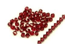 MC SLUNÍČKA (bicony) / MC (Machine Cutted) korálky jsou precizně strojně broušené skleněné perle. Vynikají svou přesností a bezchybným leskem. My vám je nabízíme ve tvaru broušených sluníček. Veškeré zboží v kategorii je vyrobeno v České republice.  http://www.fajnekorale.cz/cs/koralky/341-mc-slunicka