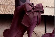 Shoes / by Katia Soeiro