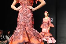 Simof 2014 / Salón internacional de #modaflamenca. En ella pudimos ver algunos de los complementos de flamenca disponibles en nuestra tienda online. Con la colaboración de Entre Cirios y Volantes.