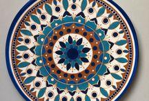 Arte em cerâmica entre outros