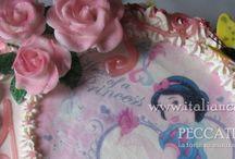 Torta di compleanno Biancaneve sponge cake alla vaniglia con crema chantilly al cioccolato
