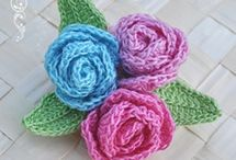 Crochet flowers/leaves / by Melanie Rathert