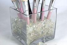 kosmetické stolky