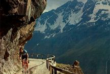 LOMBARDIA By Bike / Oltre 4mila km ciclabili; 100 itinerari. In pianura, in collina, in quota. Pedala con noi #inLombardia / Beautiful bike rides #inLombardia.