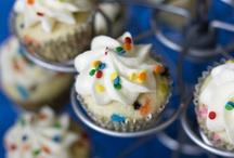 Cupcakes / by Holly Benton