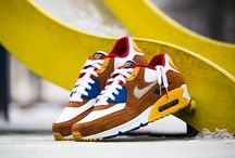 "Nike Air Max 90 Premium ""Curry"" (700155-107)"