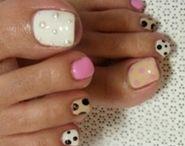 Nails / by Caroline Ortiz