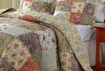 Bedding / by Cindy Moats