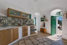 """""""Soul Kitchen"""" / Sono cucine con l'anima, quelle delle nostre ville in affitto per vacanze di lusso in Puglia."""
