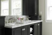 Black & White Bathrooms