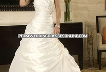 beautiful wedding dresses / by Tracy Halley