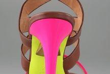 Zapatos que amo / by Helena Guzman