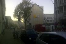 Hamburg baut / Hamburg baut und das ordentlich - überall wo man lang fährt entstehen neue Immobilien. Komplett neu oder werden renoviert. Mit dieser Serie möchte ich einige Bauten während der bauphase begleiten.