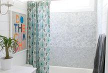 Bathrooms / by Kristen Cascio