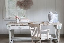 Antiques/Distressed and Recycled / by Kimera, LLC Wedding & Event Planning