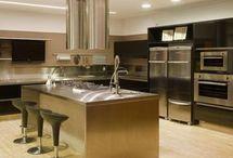Cozinha Planejada / As melhores fotos de cozinha planejada pequena, cozinha pequena planejada e armário de cozinha planejado. Veja também cozinha planejada fotos e lindas cozinhas planejadas pequenas e modernas. Aproveite! #cozinhaplanejada #cozinhaplanejadapequena #fotosdecozinhasplanejadas