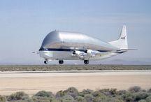 vliegtuigen,raketten en,UFO's / by Vera
