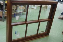 Sliding sash window / Tablica przedstawia stolarkę drewnianą otworową. Głównie przedstawiam okna oraz drzwi produkowane na rynek brytyjski.