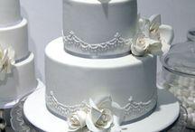 Cake Decorating Ideas / by Karina F
